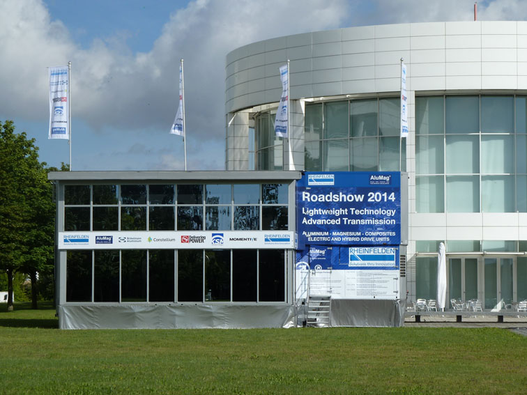 RSAL 07.2014 - DAIMLER Ulm - Mercedes Benz Research and Development Technology Center - AluMag Roadshow Truck 2014 Pic60